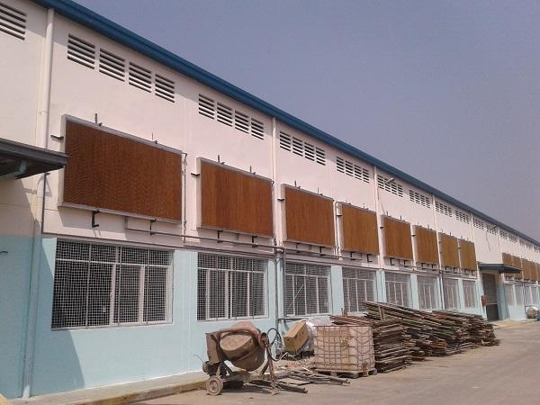 tam-lam-mat-nha-xuong-cooling-pad-1